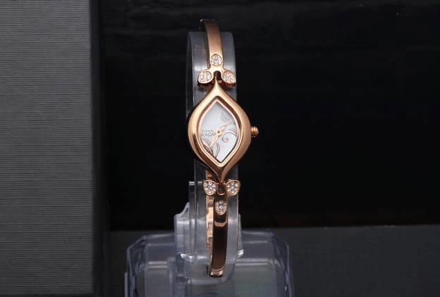 Kinh nghiệm mua đồng hồ nữ TPHCM chất lượng bền đẹp giá rẻ