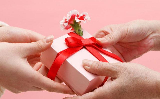 Nên tặng quà gì cho người ấy trong ngày lễ tình nhân 14 - 2
