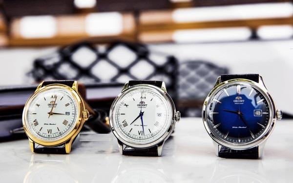 Đồng hồ Orient kính cong