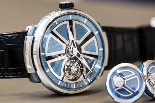 Ở góc nhìn này, người ta chẳng thể thấy logo của hãng trên chiếc đồng hồ Faberge Visionnaire I  - Ảnh: hautetime
